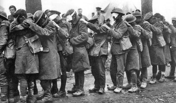 http://upload.wikimedia.org/wikipedia/commons/d/dc/British_55th_Division_gas_casualties_10_April_1918.jpg